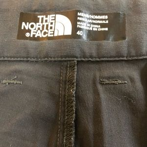"The North Face Men's Dark Gray Pants Size 40""/30""."